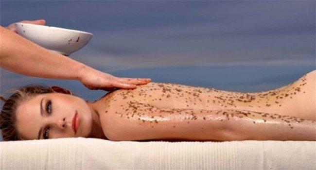 Απολέπιση δέρματος με φυσικό scrub σώματος ...φτιαγμένο από τα χεράκια σας!