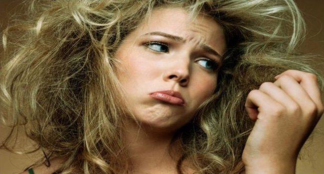 Αντιμετώπιση του φριζαρίσματος των μαλλιών! Μάθε πως