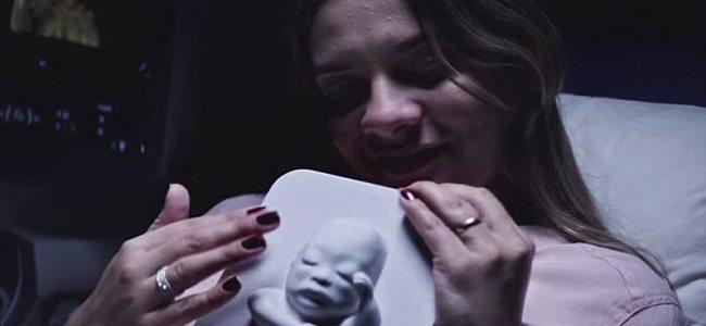 """Τυφλή μητέρα """"βλέπει"""" για πρώτη φορά το παιδί της"""