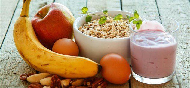 Τι τρώνε οι υγιείς άνθρωποι κάθε πρωί;