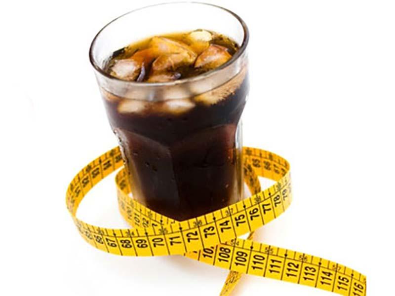 Πόσα κιλά θα πάρεις σε 1 χρόνο αν πίνεις 1 αναψυκτικό την ημέρα;