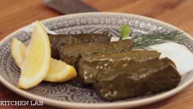 Συνταγή για Ντολμαδάκια γιαλαντζί από τον Άκη Πετρετζίκη (Βίντεο)